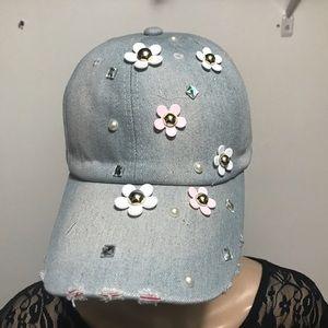 Accessories - 5⭐️ Distressed Appliqué cap